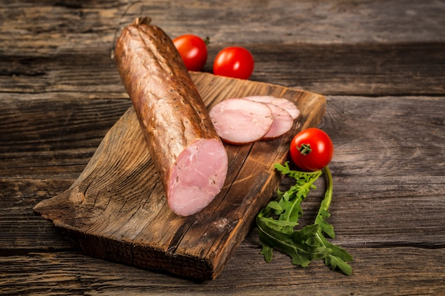 Salame salsicha fatiada produtos de carne fria