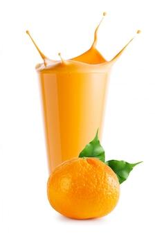 Salpicos de suco de tangerina ou iogurte