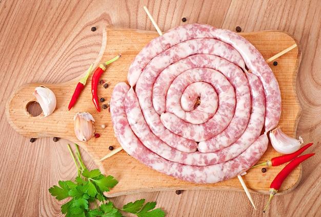 Salsicha crua fresca