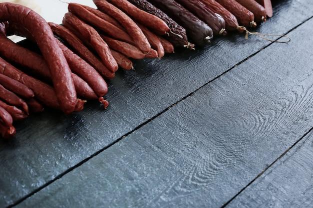 Salsichas assadas