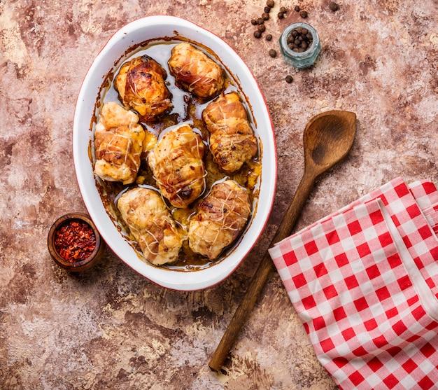 Salsichas de frango com cogumelos