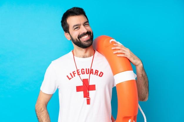 Salva-vidas homem rindo