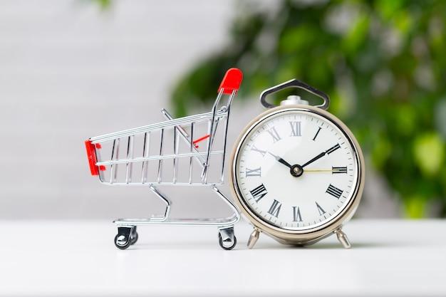 Salvando e fazendo compras