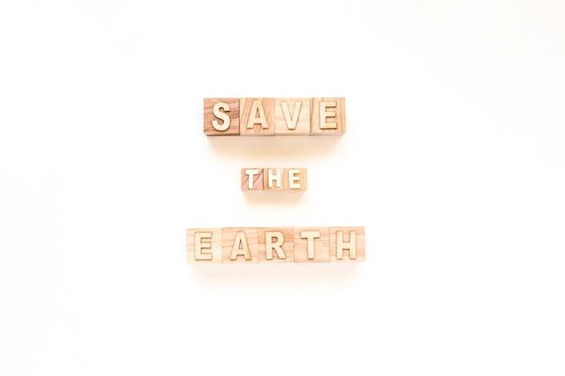 Salve a terra em cubos de madeira