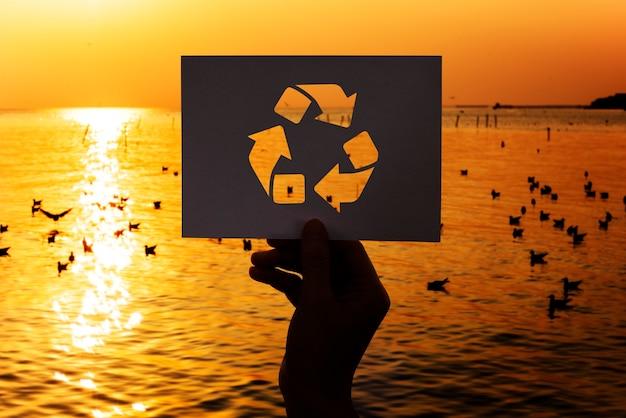 Salve o mundo ecologia conservação ambiental papel perfurado reciclar