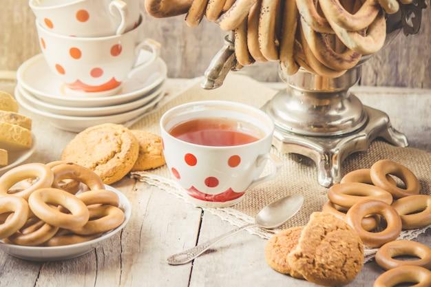 Samovar e chá com bagels