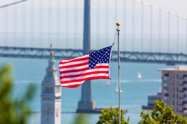 San francisco, eua, bandeira americana, ponte baía, e, torre clock