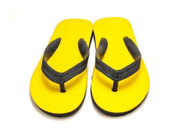 Sandália amarela em branco