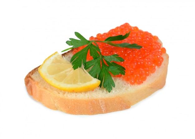 Sanduíche com caviar vermelho