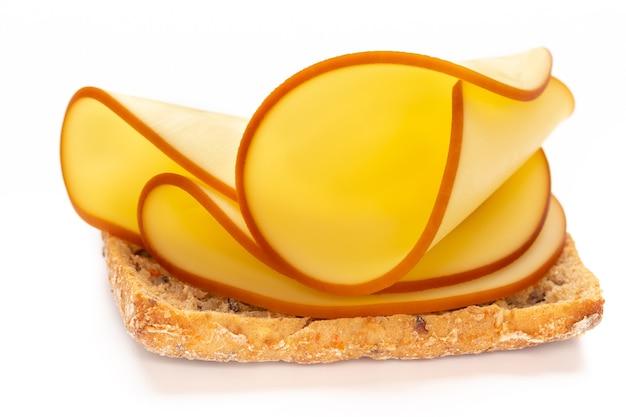 Sanduíche com fatias de queijo