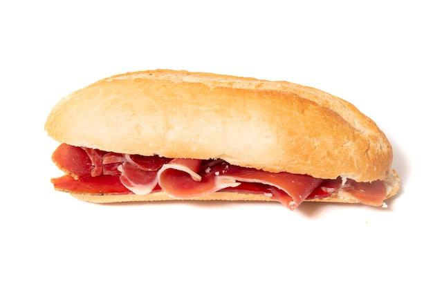 Sanduíche com presunto defumado