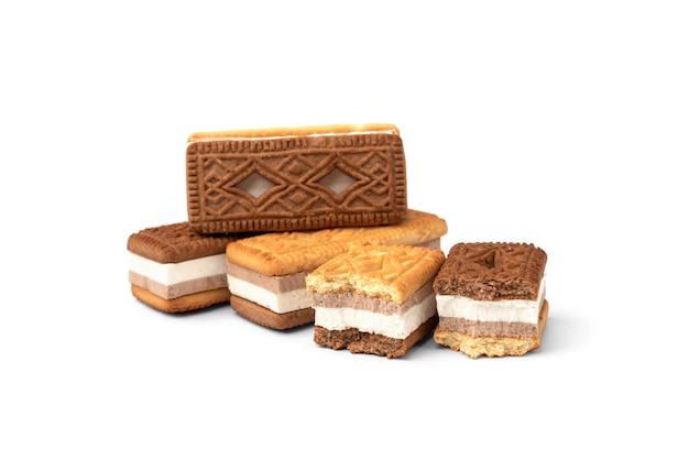 Sanduíche de biscoitos com suflê isolado