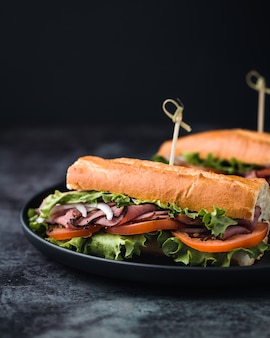 Sanduíche de vegetais saborosos