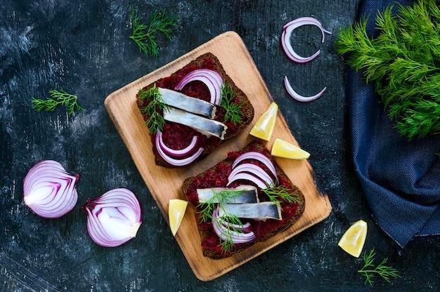 Sanduíches dietéticos com beterraba