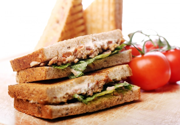 Sanduíches frescos e saborosos