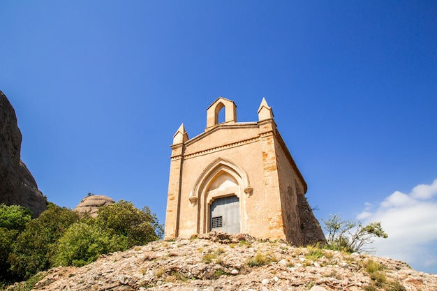 Sant joan capela nas montanhas do mosteiro de montserrat, catalunha, barcelona