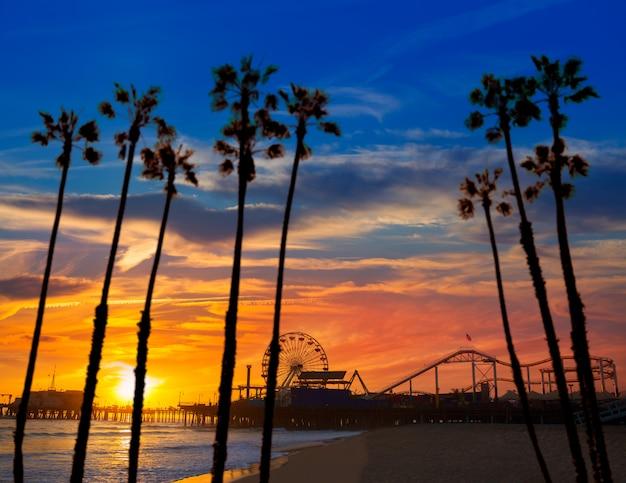 Santa monica california sunset na roda de pier ferrys