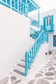 Santorini arquitetura do console cyclades beco