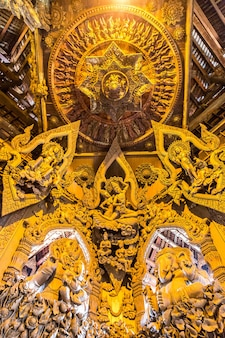Santuário da verdade em pattaya, tailândia