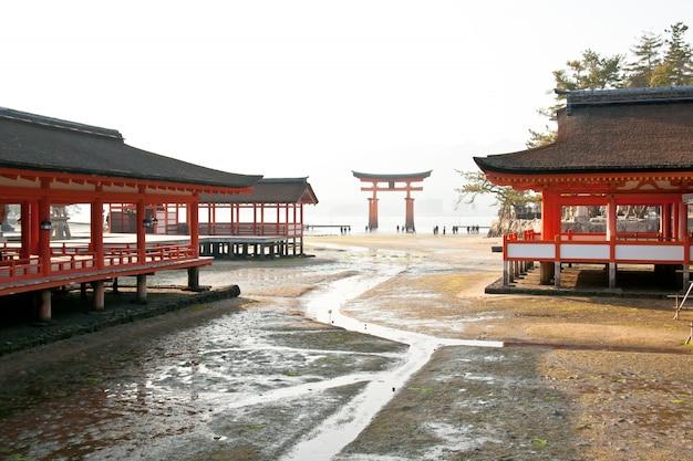 Santuário de itsukushima xintoísmo