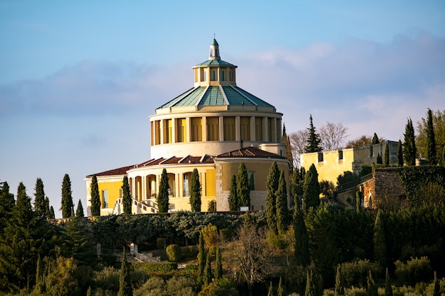 Santuario della madonna di lourdes em verona, itália