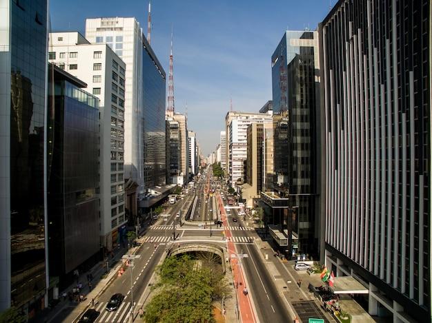 São paulo, brasil. vista aérea da avenida paulista, na cidade de são paulo