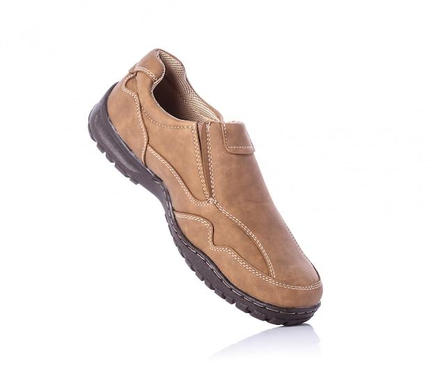 Sapato marrom novo dos homens.