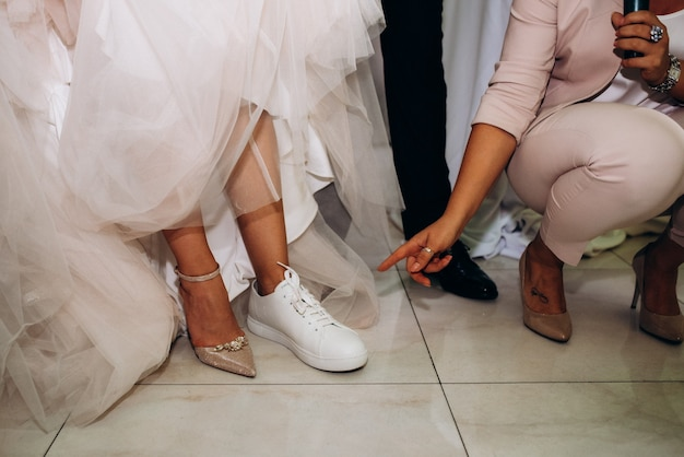 Sapatos de casamento da noiva, linda moda
