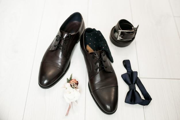 Sapatos de casamento do noivo