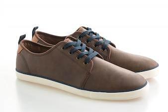 Sapatos de couro marrom