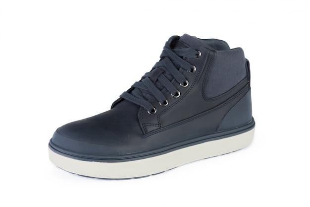 Sapatos de couro masculino casual isolados no branco