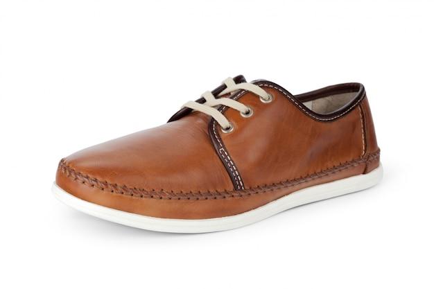 Sapatos de couro masculino casual isolados no fundo branco