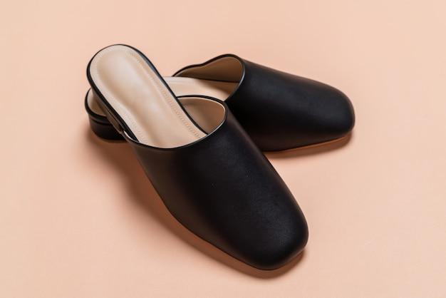 Sapatos de couro moda mulher
