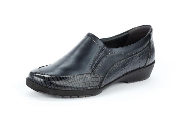 Sapatos de mulheres elegantes isolados