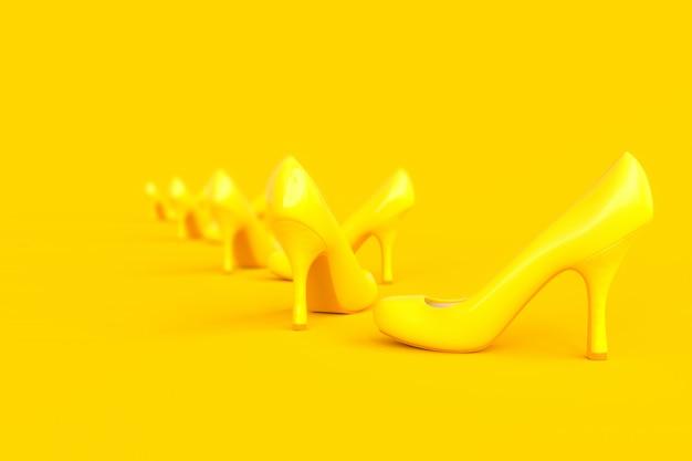 Sapatos de salto alto cor amarela.