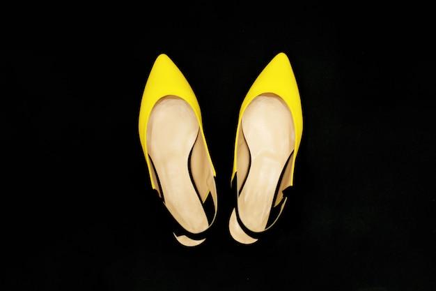Sapatos de verão amarelo-preto