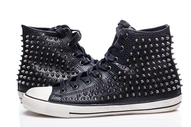 Sapatos desportivos pretos