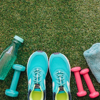 Sapatos e halteres