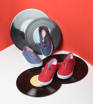 Sapatos esportivos infantis coloridos