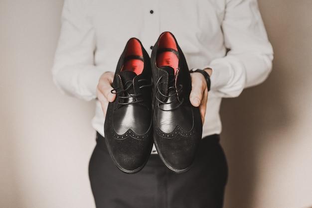 Sapatos formais de moda masculina clássica