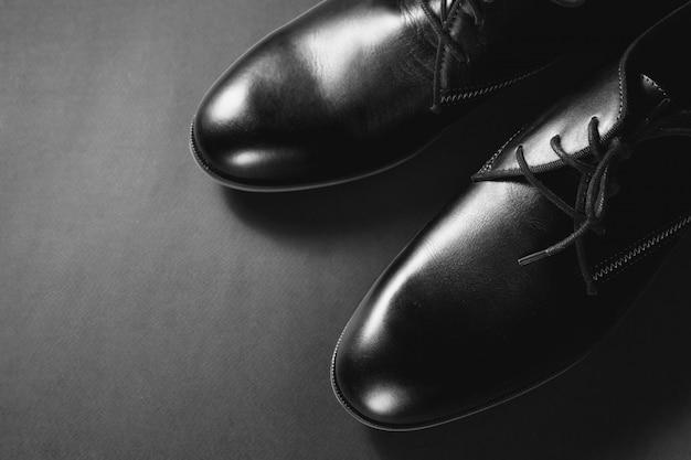 Sapatos masculinos clássicos