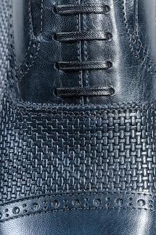 Sapatos masculinos de couro close-up