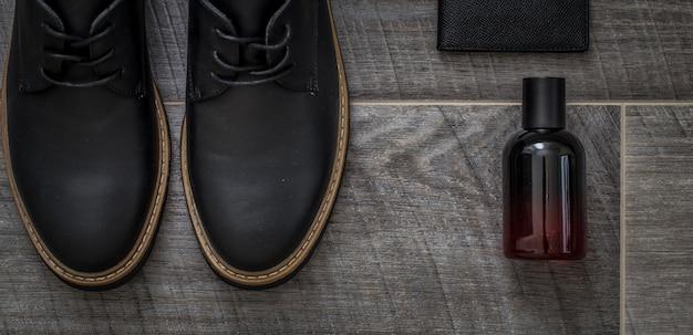 Sapatos masculinos elegantes, ainda vida de acessórios masculinos