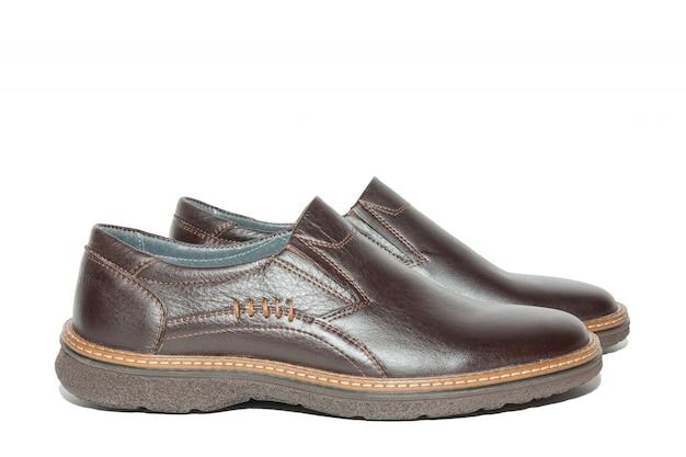 Sapatos masculinos marrons
