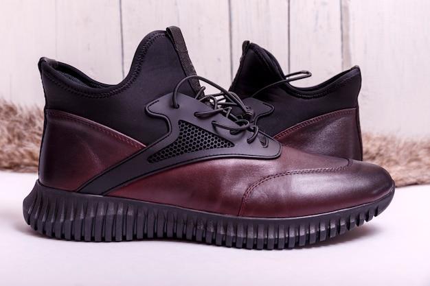 Sapatos masculinos. sapatos de couro da moda masculina