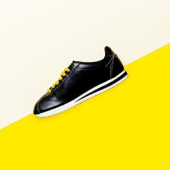 Sapatos, tênis design minimalista de moda estilo urbano