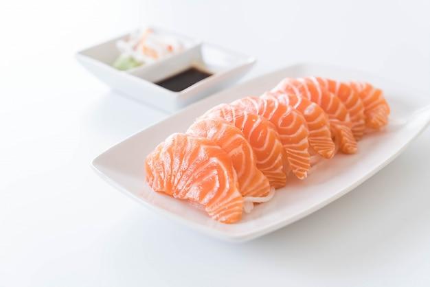 Sashimi em salmão cru