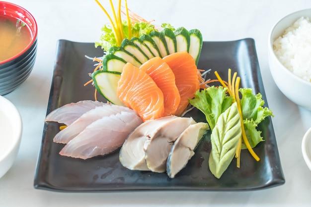 Sashimi fresco cru