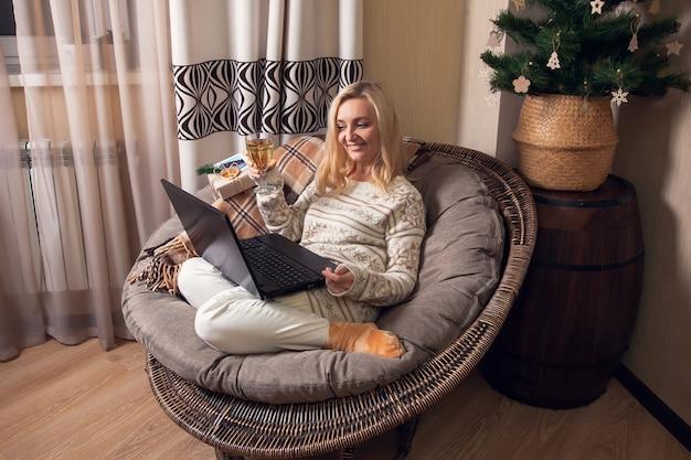 Saudações online de natal e ano novo