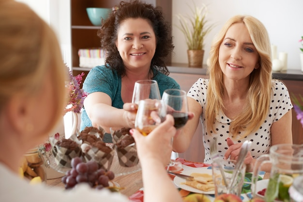 Saudações pela ótima festa juntos